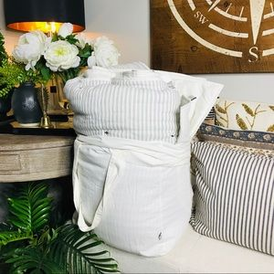 Hearth and hand f/queen comforter